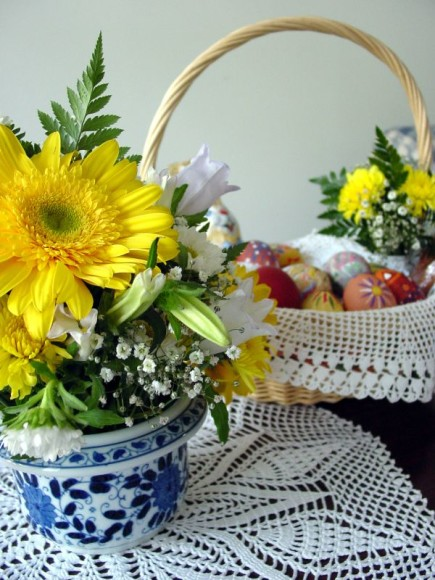 easter-flowers-and-basket-i_128967507_o